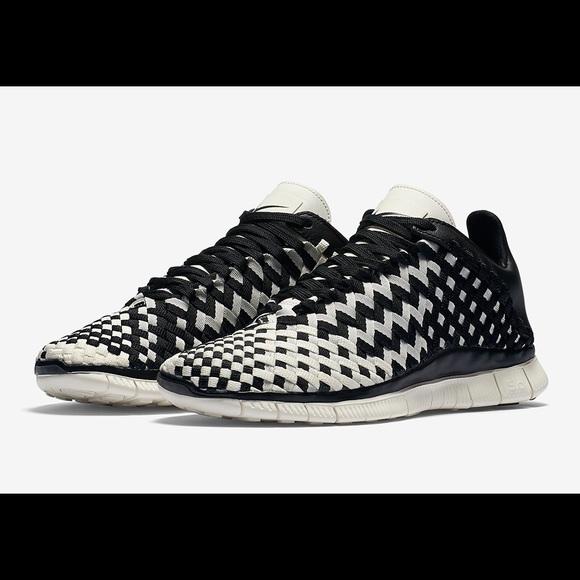 best sneakers b4272 7e9b6 Womens Nike Free Inneva Woven Black Sail Sneakers.  M 5a5bb7dc5521beb010d7b51b